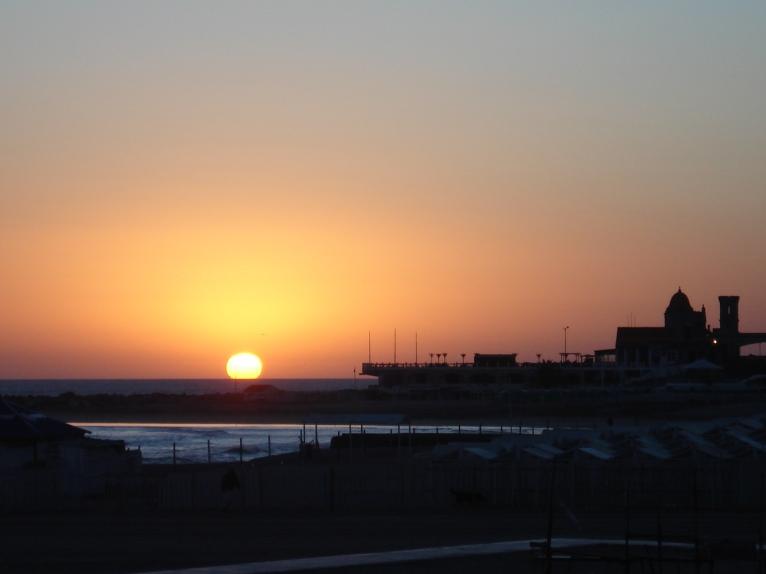 La emoción inclaudicable de un nuevo amanecer, el aire puro, la magia del brillo reflejado en el agua, la fuerza pujante de una hermosa ciudad.