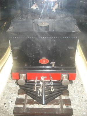Mecanismos de enganche y seguridad. Una locomotora podía tirar con esfuerzo de más de 150 vagones cargados.