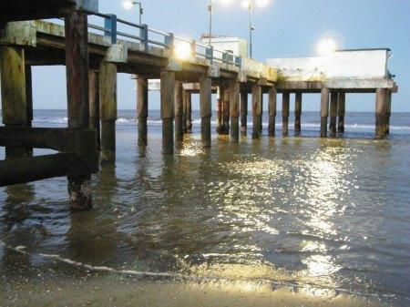 Belleza de espigón pionero para la pesca deportiva en San Clemente del Tuyú centro, puede visitarse, hay un pequeño restaurante.