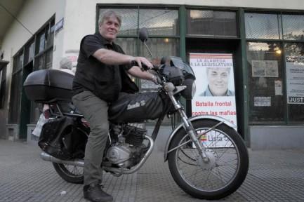 La moto en la que se moviliza Vera