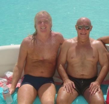 Martins y Conde en el yate en Cancún, México.