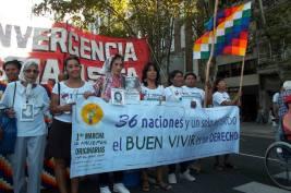 Marcha de mujeres originarias