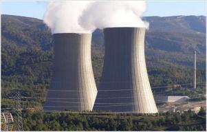 Torres energía nuclear en Cofrentes España